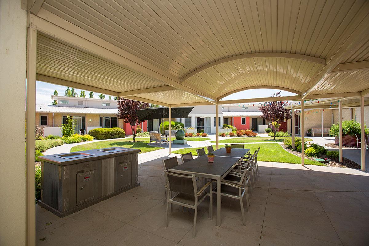 IRT Kangara Waters - Aged Care Centre Courtyard
