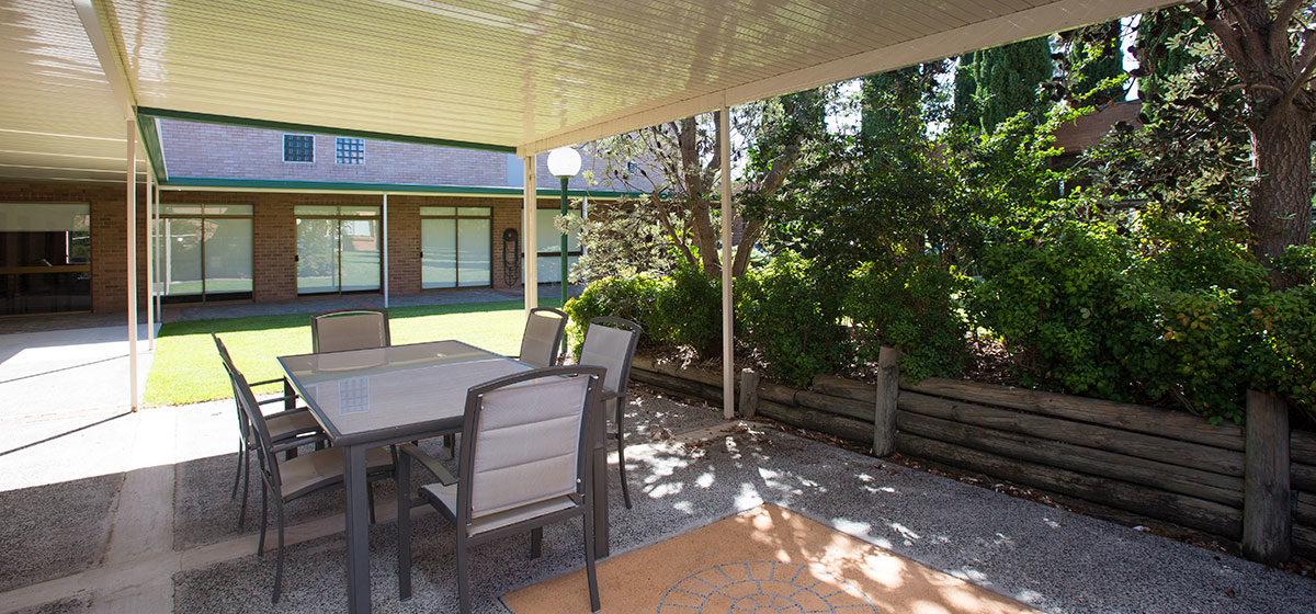 IRT William Beach Gardens - Retirement Village Courtyard