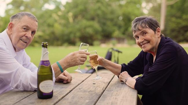 Jess and John enjoying a glass of bubbly at Symbio Wildlife Park.